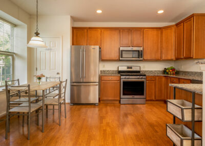 Heritage Orchard Hill 3 Bedroom Oakwood Kitchen with Stainless Steel Appliances and Breakfast Nook in Perkasie, PA